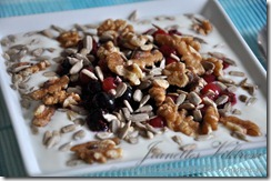 Naturell Yoghurt med bär, nötter och frön 2